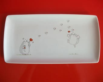 """Rectangular porcelain dish decorated with """"2 hedgehogs in love"""""""