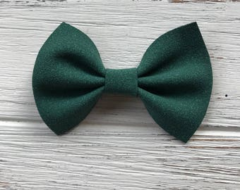 St.Patricks Day Dark Green Suede Faux Leather Bow,Green Suede Hair Bow,Faux leather bow,Nylon headband,suede headband,suede bow,bow