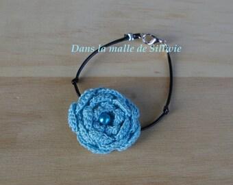 Bracelet blue flower and glass bead