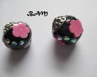 Set of 2 black and pink polymer clay beads inlaid rhinestones
