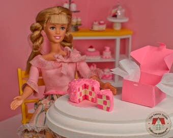 Miniature Checkerboard Cake - Pink, Miniature Cake for Barbie or Blythe, 1:6 Scale Fashion Doll Cake, Playscale Dollhouse Desset