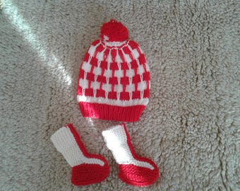 Hand knitted baby hat and socks