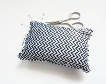 Sewing Gift, Chevron print, Pin cushion, seamstress gift, tailors gift, crafters gift, pin organiser, desk tidy, black and off white.