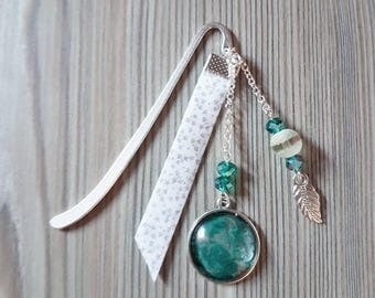 Green and silver bookmark