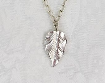 """Simply Stunning Silver Leaf Necklace 20"""""""