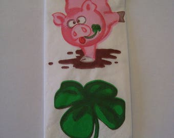 Tissue paper pink pig pattern and clover napkin