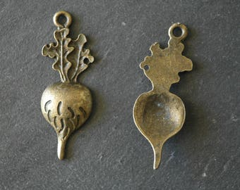 1 antique bronze pendant vegetable radish charm