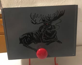 Cigar box key hanger