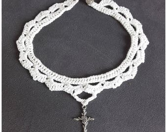 White cotton crocheted necklace