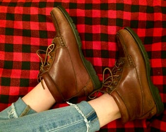 vintage Timberland brown leather hiking boots
