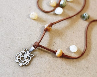 Owl necklace silver, Owl charm pendant, Owl Jewelry, Bird Animal Necklace, Birthday Gift, Christmas Gift, Owl choker boho fake leather beads