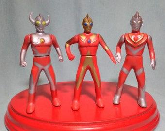 3 years 90s Ultraman figures.