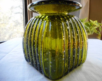 Green Square Vase with air bubbles