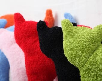 Bennet, colorful pillows made of Terry cloth fabric for children