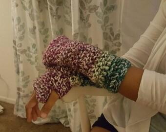 Woman's fingerless gloves crochet