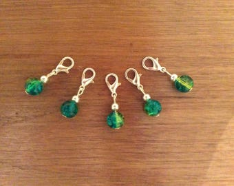 Set of 5 crackle glass stitch markers, crochet, knitting, clip charms.
