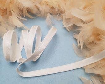 1.20 m • elastic 'Straps' white taffeta bra