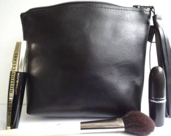 Black Leather Makeuptas