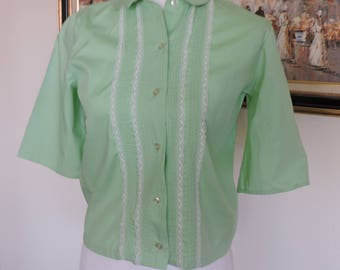 Size Small Green with white lace front blouse