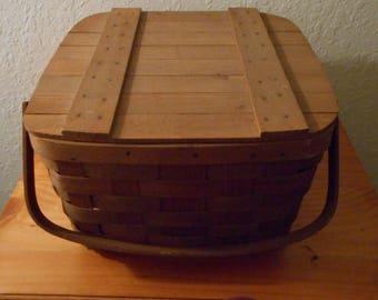 Vintage picnic basket by Basketville of Putney, Vermont, handwoven, marked, vintage baskets, vintage picnic baskets, Basketville, Vermont