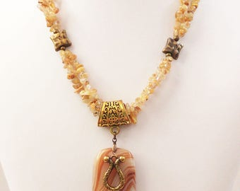 Brown-yellow Agate pendant necklace. Rutilated Quartz  chips double necklace. Brass elements.