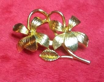Vintage Gold Colored Flower Brooch