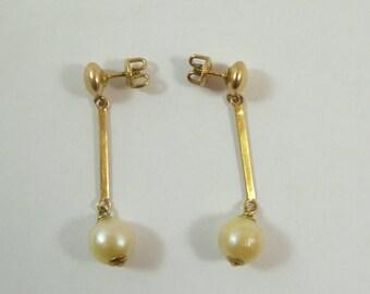Vintage 10K Gold Screw Back Earrings W/ Dangling Pearls