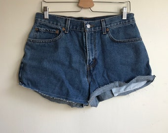 1990s Levi's Cut Off Denim Jean Shorts Size 32