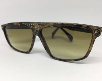 Roberto Capucci - Vintage Sunglasses. Made in Italy.