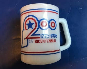 1776-1976 USA 200th year Anniversary / Federal milk glass coffee cup