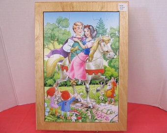 Snow White/Prince Charming Wood Framed Puzzle