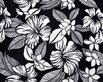 "Pretty remnant of lightweight black and white cotton floral fabric 31"" x 23"""