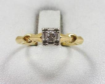 Vintage 14K Yellow Gold and Platinum 0.11 CT Solitaire Diamond Ring, Size 7