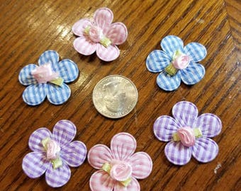 Cute Padded Applique Gingham Flowers with Small Rose in Center 20 Pieces for sewing/doll making/hairbow/scrapbooking/crafts, etc.