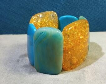 Lucite Gold and Turquoise Bracelet Expandable – Faux Amber Confetti and Faux Turquoise – Chunky Bracelet – Vintage Lucite – Plastic Bracelet