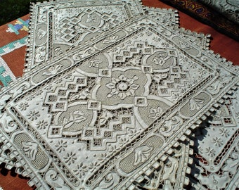 "Antique Embroidered Place Mat/Runner 7 pc Set Exceptioal Quality ""Great Wall"" Pattern"