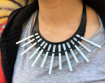 Ethnic necklace in inner tube recycled and metal