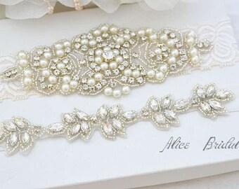 Wedding ivory lace garter set ,Bridal garter set , Crystal  bridal garter . Wedding garter , wedding gift