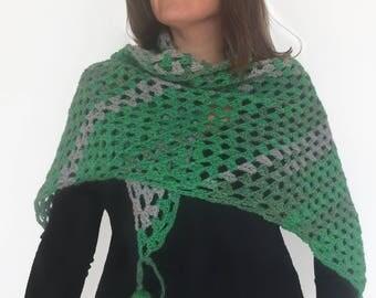 Crocheted shawl / Crochet Scarf / Green Shawl / Wool Shawl / Chal de ganchillo / Chal verde / Chal en tonos verdes / Green Crochet Shawl