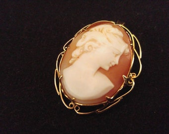 Antique Camee Brooch or pendant