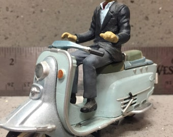 Toy Plastic Fuji Rabbit Scooter with rider (Vespa, Lambretta)