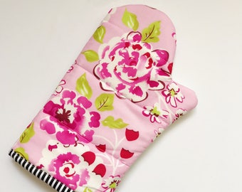 Bright pink floral oven mitt