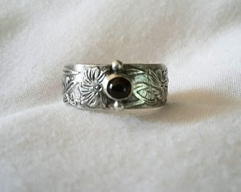 Garnet Ring - Garnet Sterling Ring With Flower Pattern Band - Wide Band Ring - Sterling Silver Handmade Garnet Ring