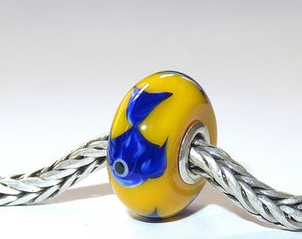 Luccicare Lampwork Bead - Fish on Yellow -  Lined with Sterling Silver