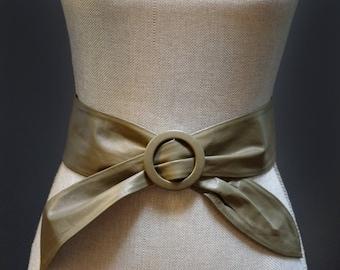 Vintage Olive Green Leather Waist Belt, Army Green Bowtie Belt Vintage Green Belt, Khaki Green Waist Belt, Green Vintage Belt, Women's Small