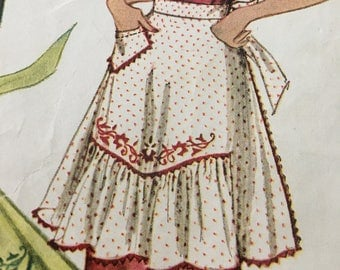 Vintage 1944 Pattern RUFFLED APRON Design C With Transfer Design 1940s Medium 14-16 Sewing 1124 Incomplete