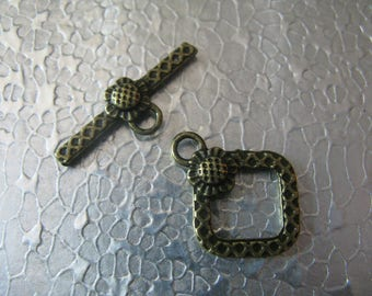 Sunflower Toggle Clasp  20mmx15mm 6 sets Brass Plated