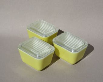 Yellow Pyrex 501 Refrigerator Dish Set of Three Verde Light Yellow Pyrex Refrigerator Jars Vintage Pyrex Excellent Condition