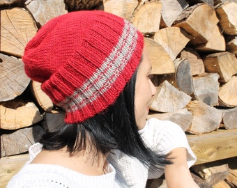 Handknit tuque, Bijoux Tricot, red, handmade, unisex, warm, unique,