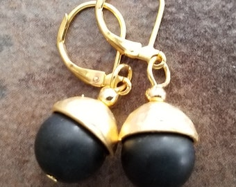 Hammered Gold with Onyx